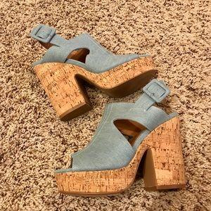 BNWOT platform denim size 7 Boutique shoe